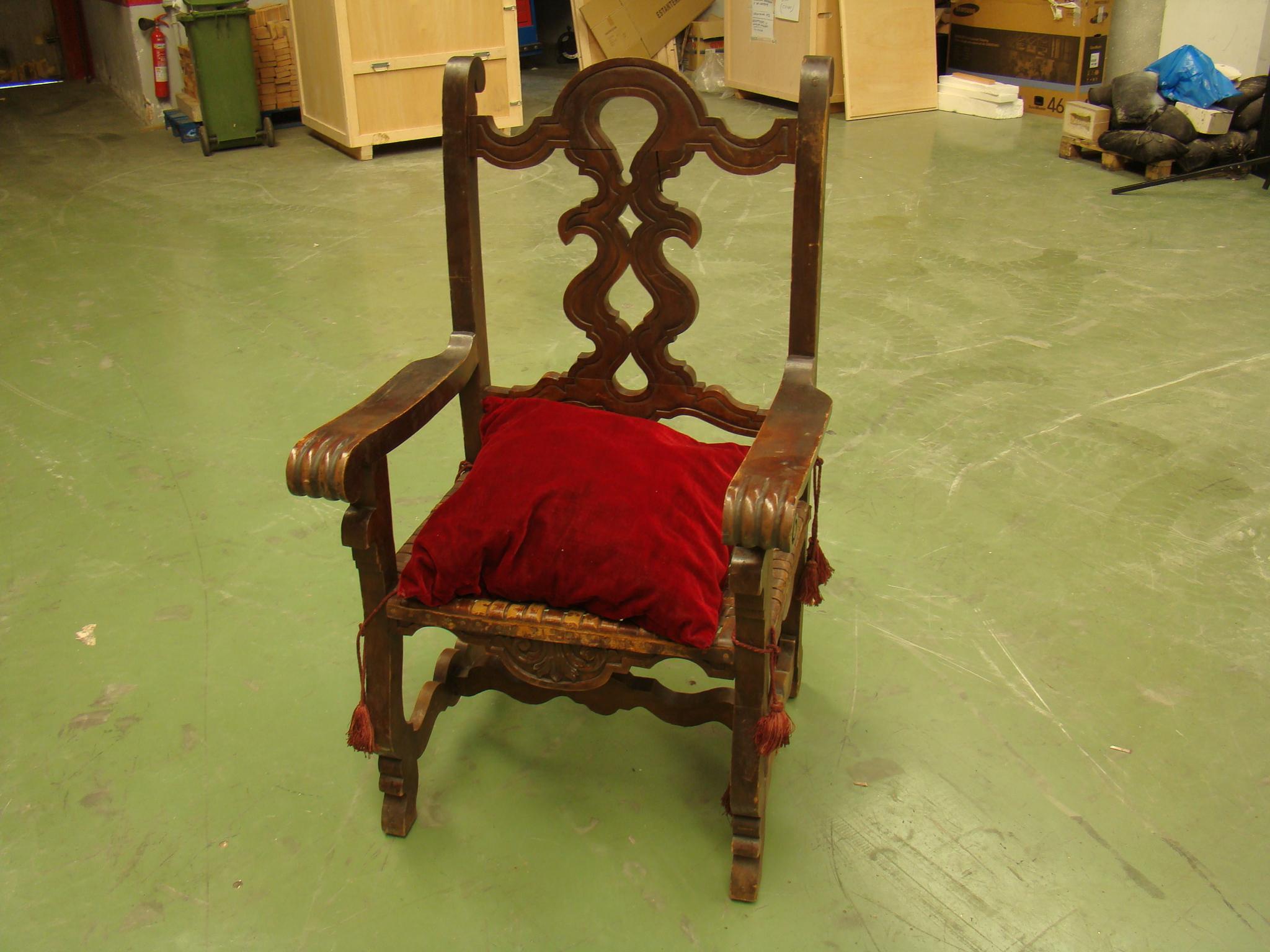 tronos-castellanos-14